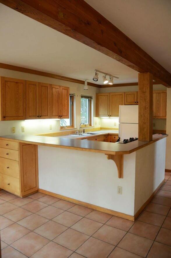707 Elk Kitchen - Before