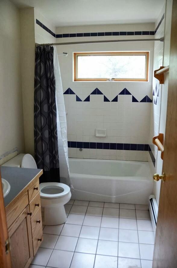 707 Elk Bath - Before